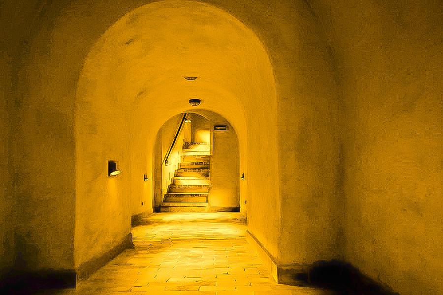 Atrakcje turystyczne Lublina - zdjęcie schodków trasy podziemnej