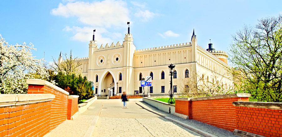 Atrakcje turystyczne Lublina - zdjęcie Zamku Lubelskiego z oddalenia