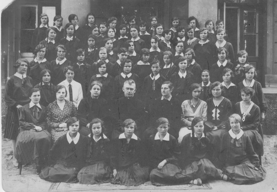 Stara fotografia szkoły żeńskiej z Lublina, przed odnowieniem